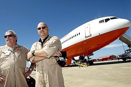 DC-10 air tanker arrives in Australia