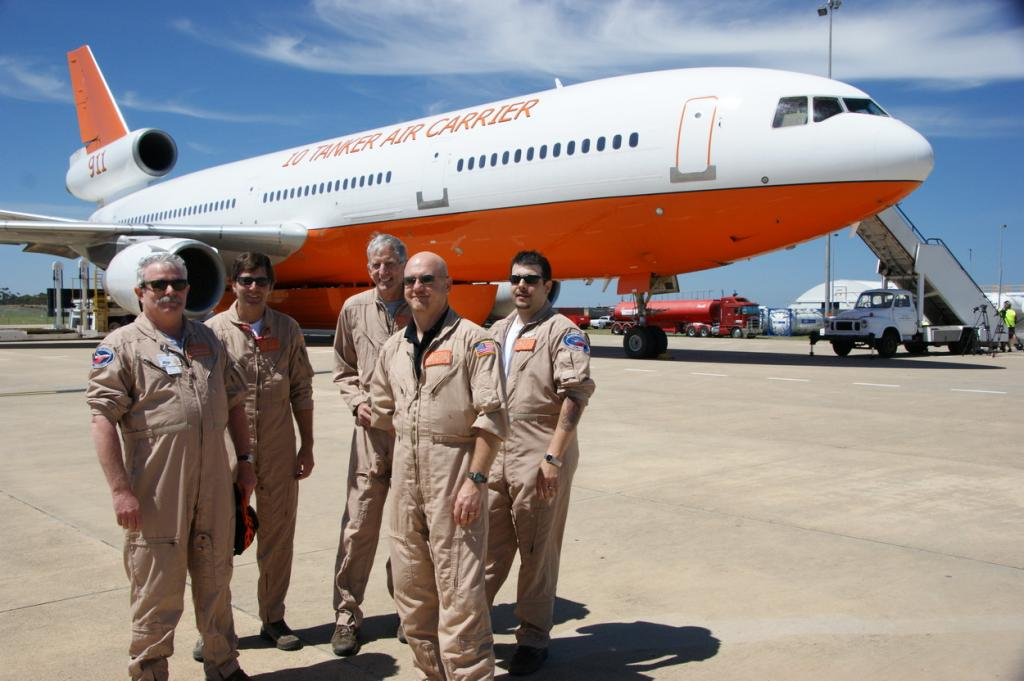 AT-911_crew DC-10 air tanker