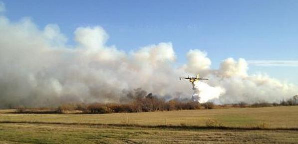 CL-215 on County 27 fire