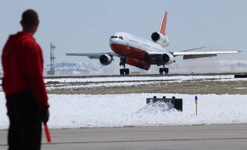Tanker 910 lands at Rapid City, April 23, 2013.