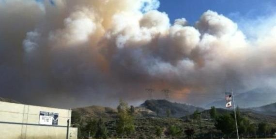 California: Grand Fire threatens structures near Frazier Park