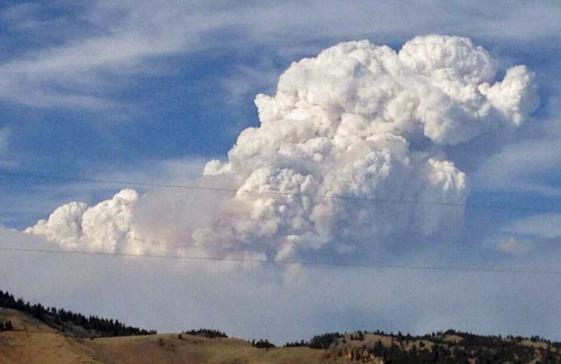 Beaver Creek Fire pyrocumulus