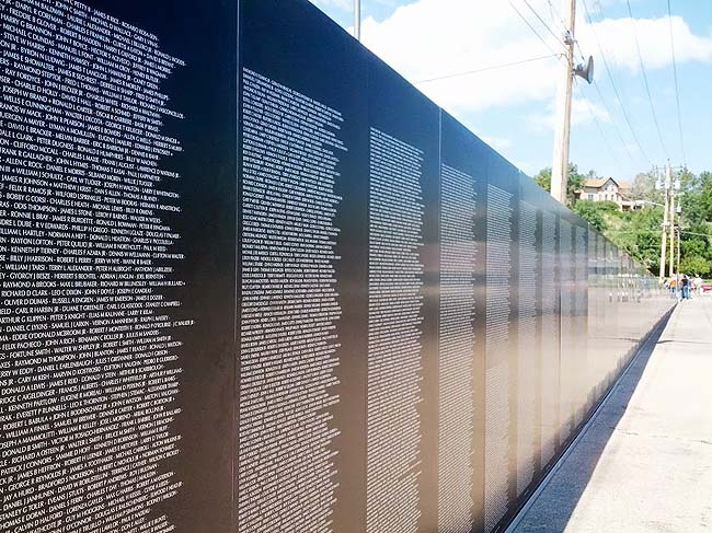 the vietnam veterans memorial wall A replica of the vietnam veterans memorial wall opened thursday for a four-day  stay on the western campus of cuyahoga community.