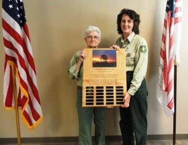 Nancy Hood receives lookout award