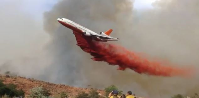 DC-10 dropping