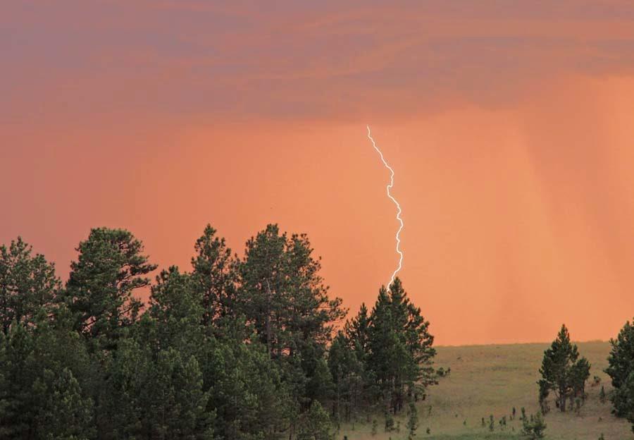 lightning near hot springs, sd