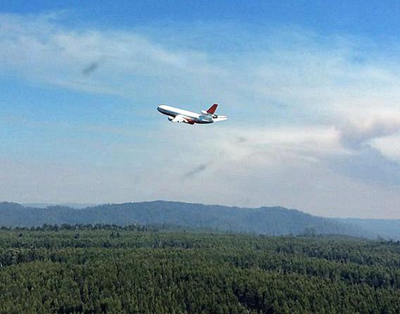 DC-10 air tanker Tasmania