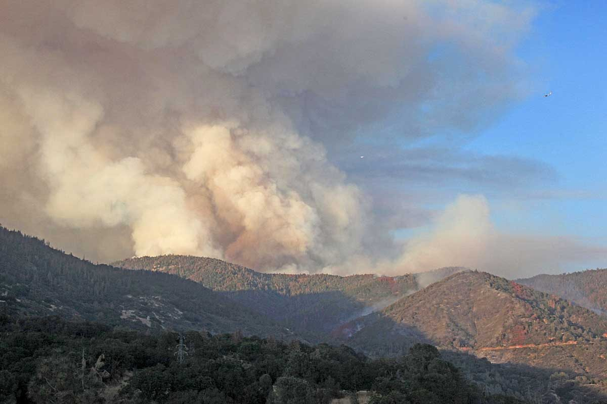 Cedar Fire causes evacuations west of Kernville, California