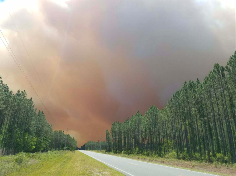 West Mims Fire in Georgia sends ash to Jacksonville, Florida