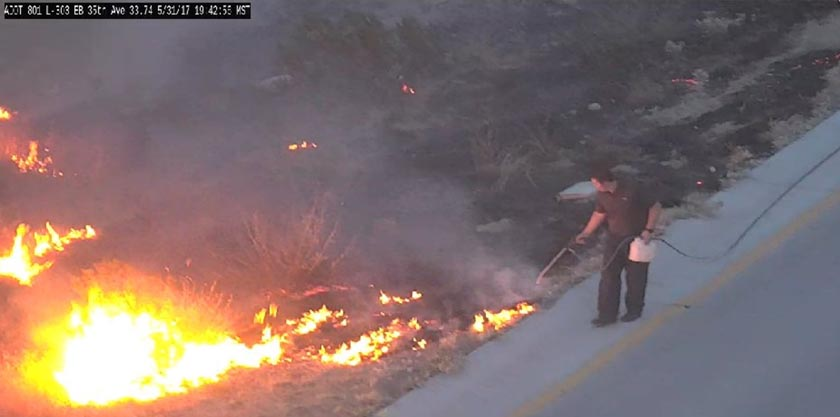Carpet cleaner puts out vegetation fire in Phoenix