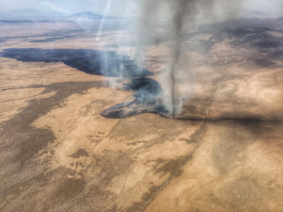 Huge fire whirl in Nevada