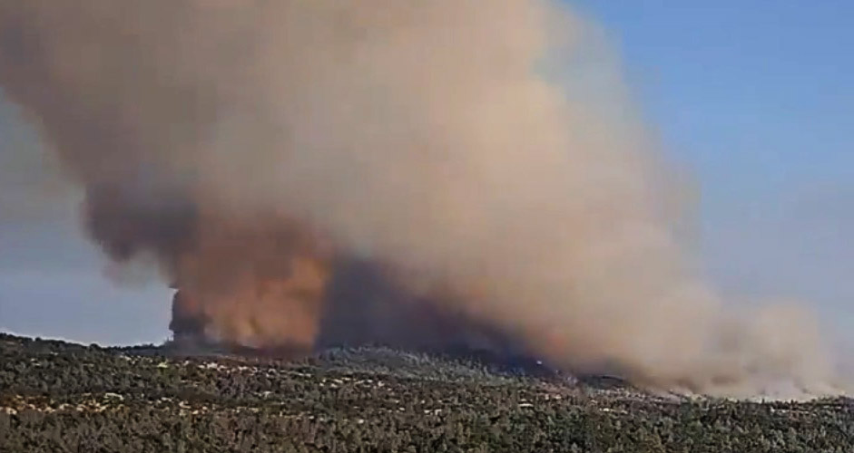 Wildfire In California Canyons Spreads Overnight