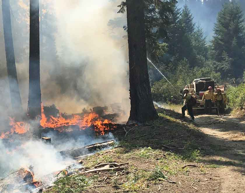 OR town prepares to evacuate as wildfire, eclipse loom