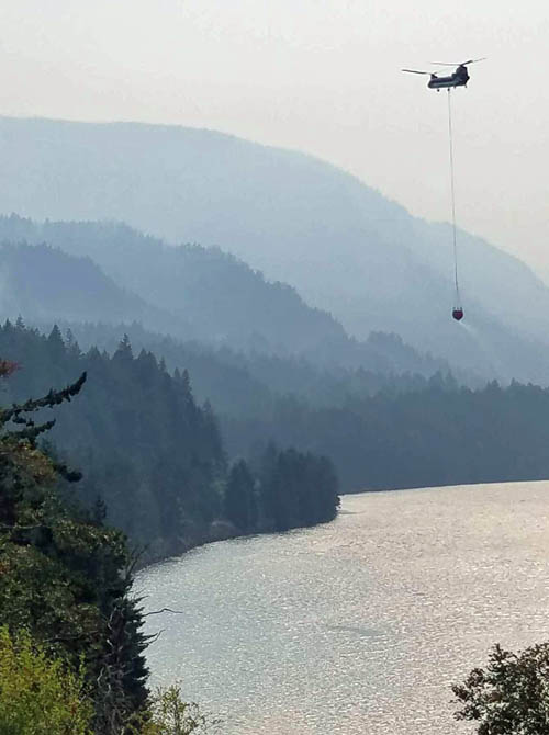 helicopter eagle creek fire columbia river