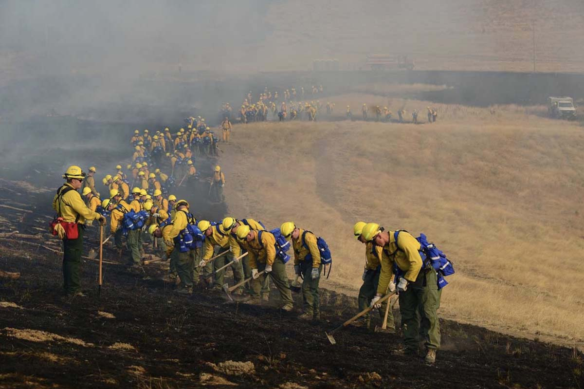 Soldiers training firefighting