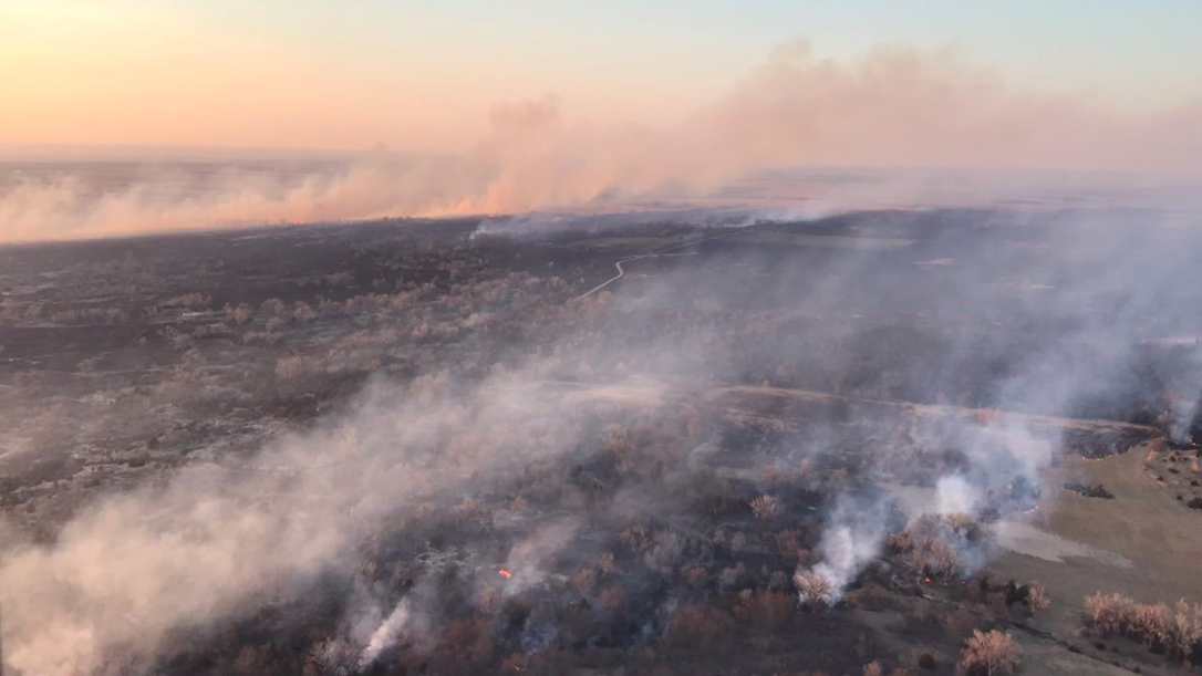 'Catastrophic fire conditions' possible today as Kansas blazes continue