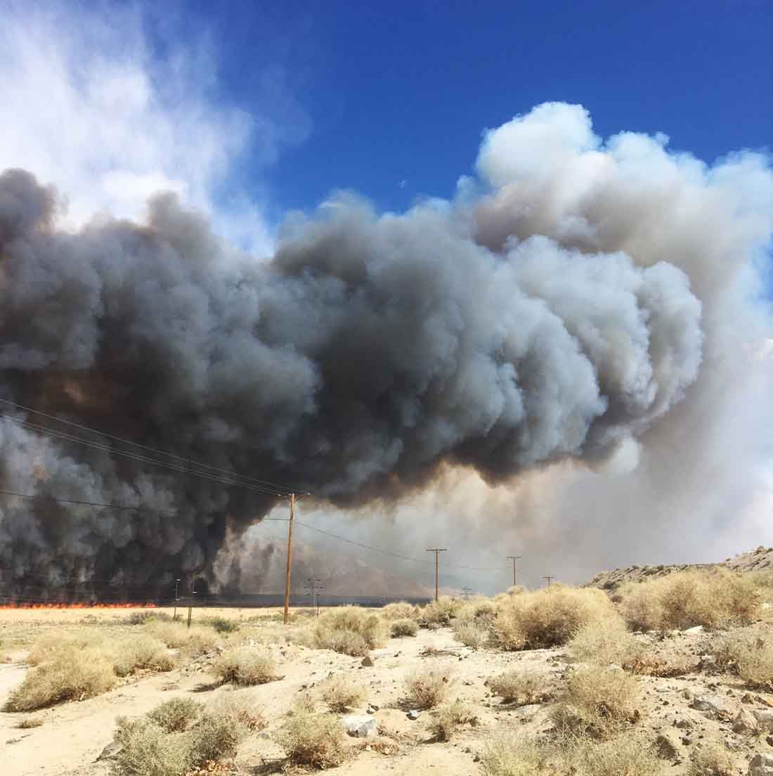 Moffat Fire burns hundreds of acres north of Lone Pine, CA