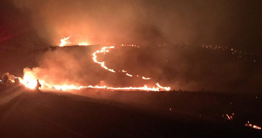 Milepost 22 Fire threatens homes in Central Washington