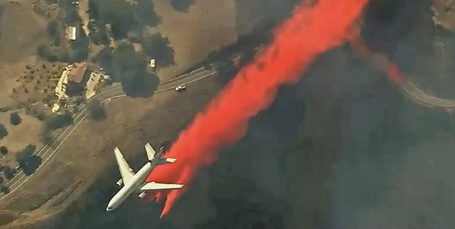 747 air tanker drop