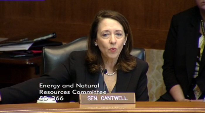 Senator Maria Cantwell location tracking firefighters