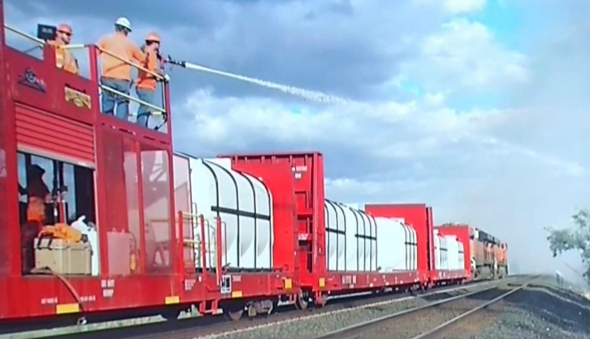 BNSF fire train