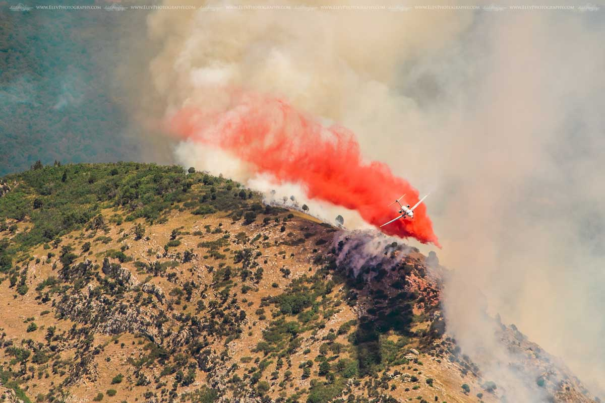 MD-87 drops on the Round Peak Fire