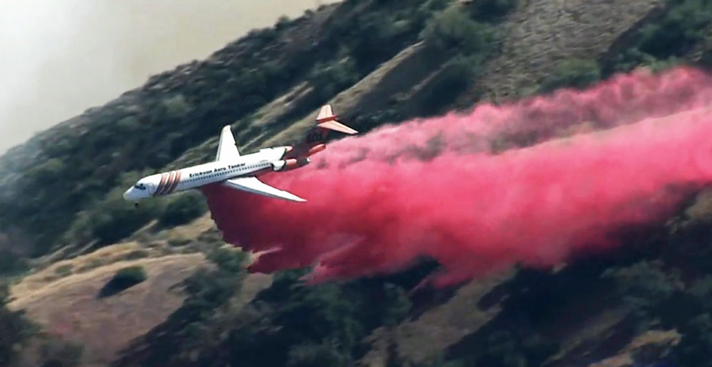 MD87 drops on Saddle Ridge Fire