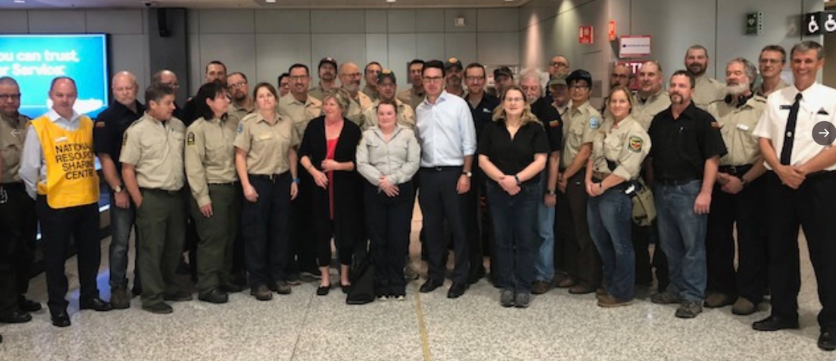 Canada firefighters in Australia assist