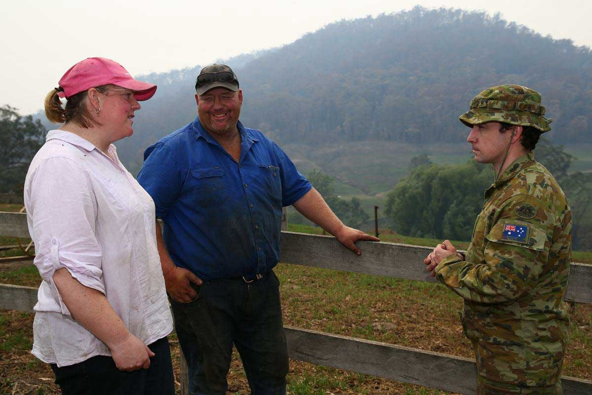 Australian Army assist farmer bushfire