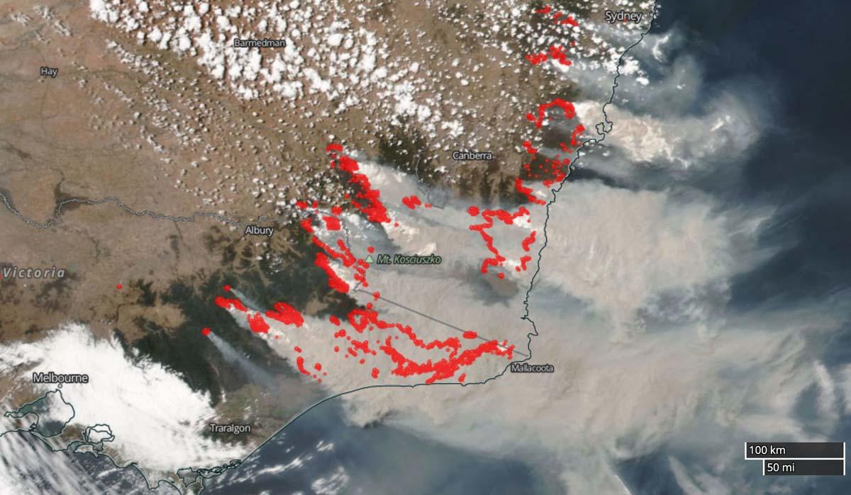 Satellite photo smoke Australia fires