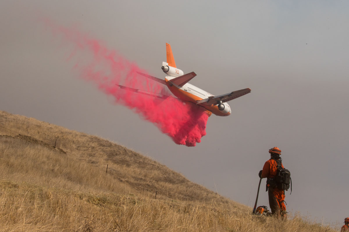 air tanker Kincade Fire Sonoma County California October 2019 DC-10