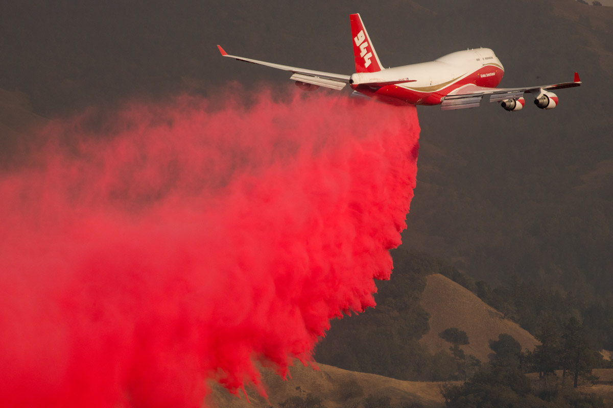 747 air tanker Kincade Fire Sonoma County California October 2019