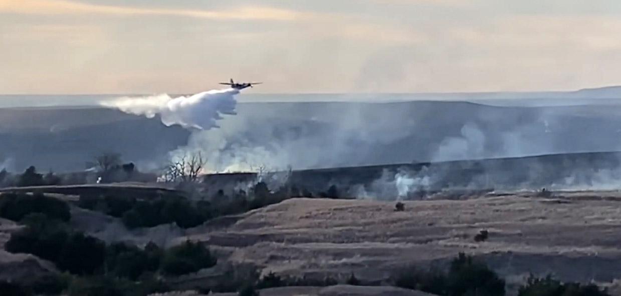 EWB Fire Barber County Kansas S-2 air tanker 95