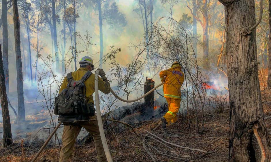 firefighters from U.S. assist in Victoria Australia