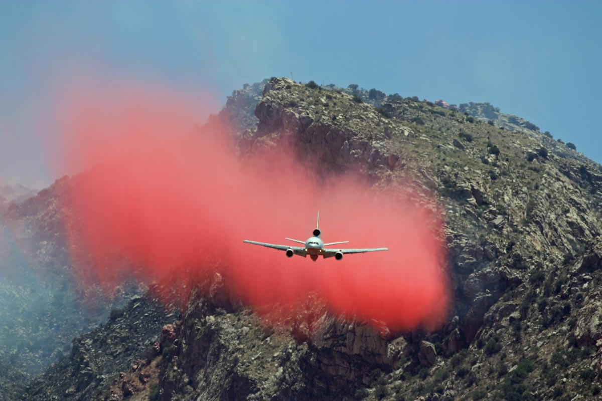 A DC-10 Very Large Air Tanker drops retardant near Pontatoc Ridge on the Bighorn Fire north of Tucson, June 11, 2020. Photo by Tim Peterson.
