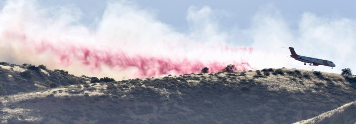 MD-87 air tanker drops on the Lime Fire