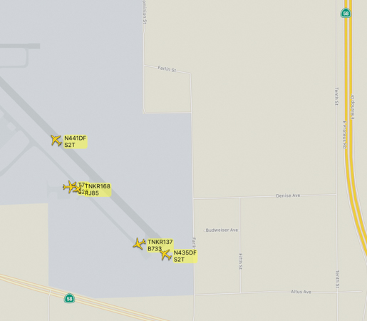 Aircraft at Mojave Air and Space Port working the Soledad Fire map