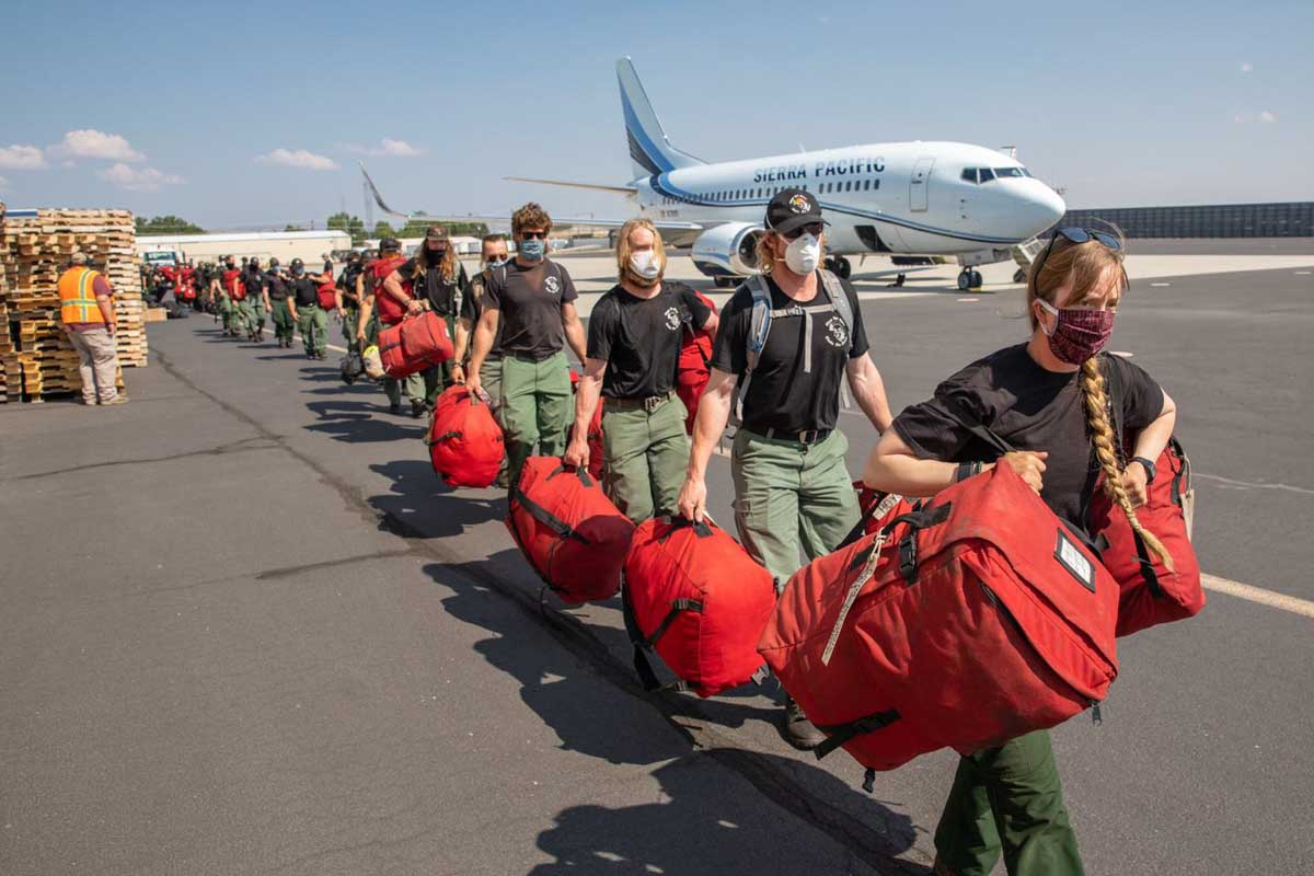 Alaska fire crews mobilized to lower 48 firefighters