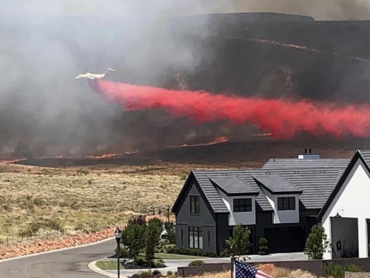 BAe-146 drops on the Turkey Farm Road Fire