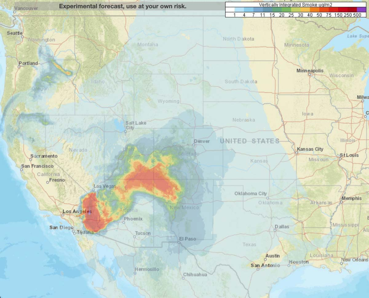 Map smoke Apple Fire forecast