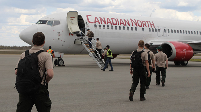 Ontario firefighters en route Manitoba fire